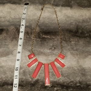 Jewelry - Gold & Pink necklace